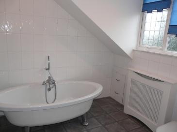 main bathroom (1)